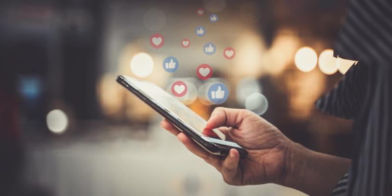 Fideliza tu clientela dando un buen servicio en las Redes Sociales
