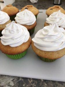 cupcake beso de negro - Receta de Cecilia Landivar 013