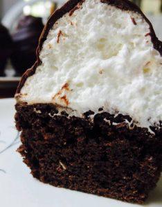 cupcake beso de negro - Receta de Cecilia Landivar 017