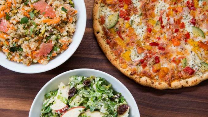 Recetas : 2 deliciosas ensaladas para acompañar tus comidas