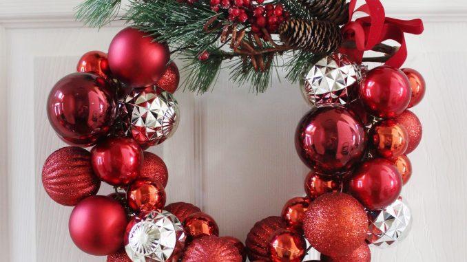 Cómo Hacer Una Corona De Navidad Con Un Colgador Alambre Valeria