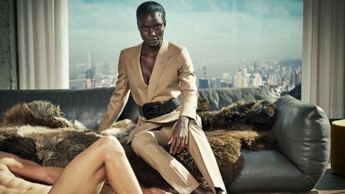 La marca de trajes para hombre Suitsupply lanza la empresa Suistudio, y no viste a hombres