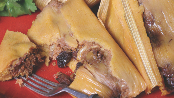 Receta : Tamales de calabaza con hebras de carne y pasas de uva
